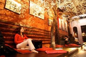Cách lựa chọn giấy dán tường đẹp cho quán cafe